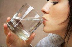 计算:看你每天喝多少水可长命百岁